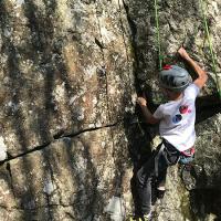 escalade-rocher-falaise-auvergne-vichy